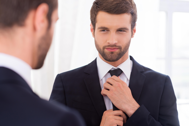 Muž v zrcadle